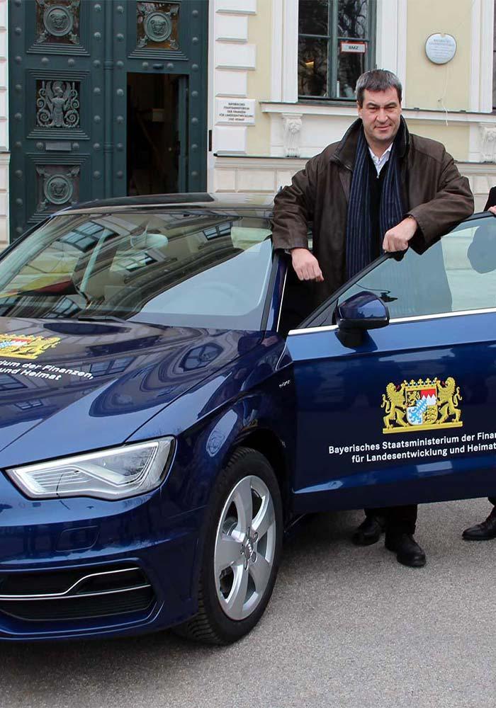 Werbetechnik München - Beschriftung der ersten Audi Hybrid für das bayrische Finanzministerium
